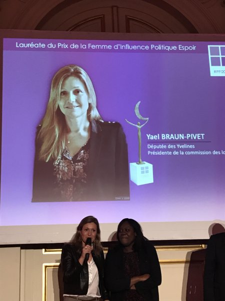 mercredi 29 novembre 2017 quatri me c r monie du prix de la femme d 39 influence au palais. Black Bedroom Furniture Sets. Home Design Ideas