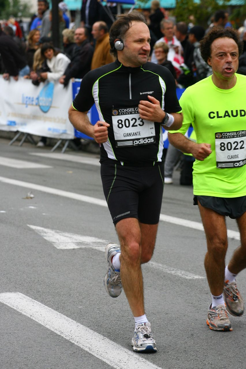 Mari d\'Agnès Bricard au Marathon Nice-Cannes 2009